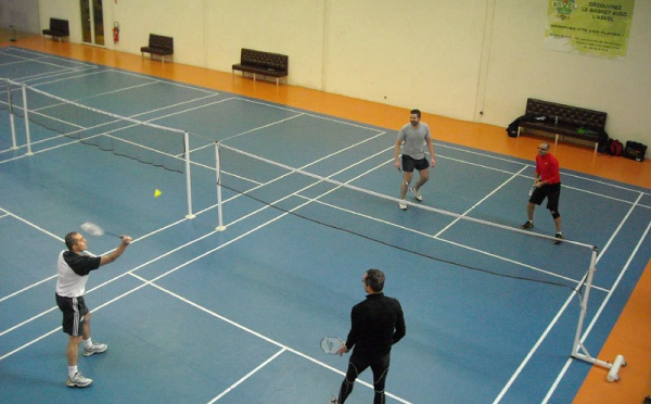 Foot indoor lyon set et match mions badminton - Mondial relay samedi ...